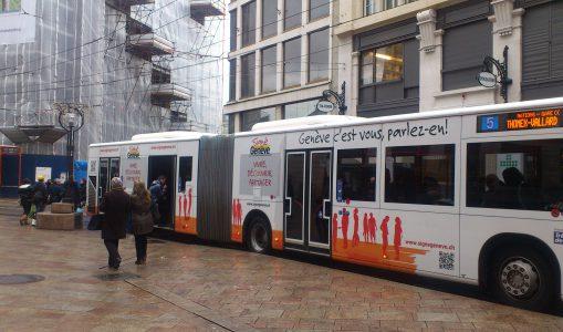 Un bus TPG aux couleurs de Signé Genève