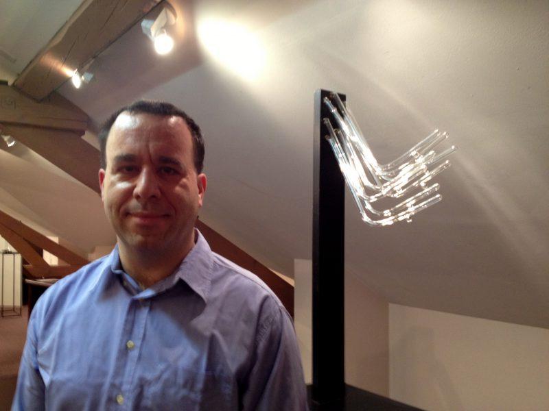 Les sculptures en verre soufflé de Joël Rey: entre élégance et transparence