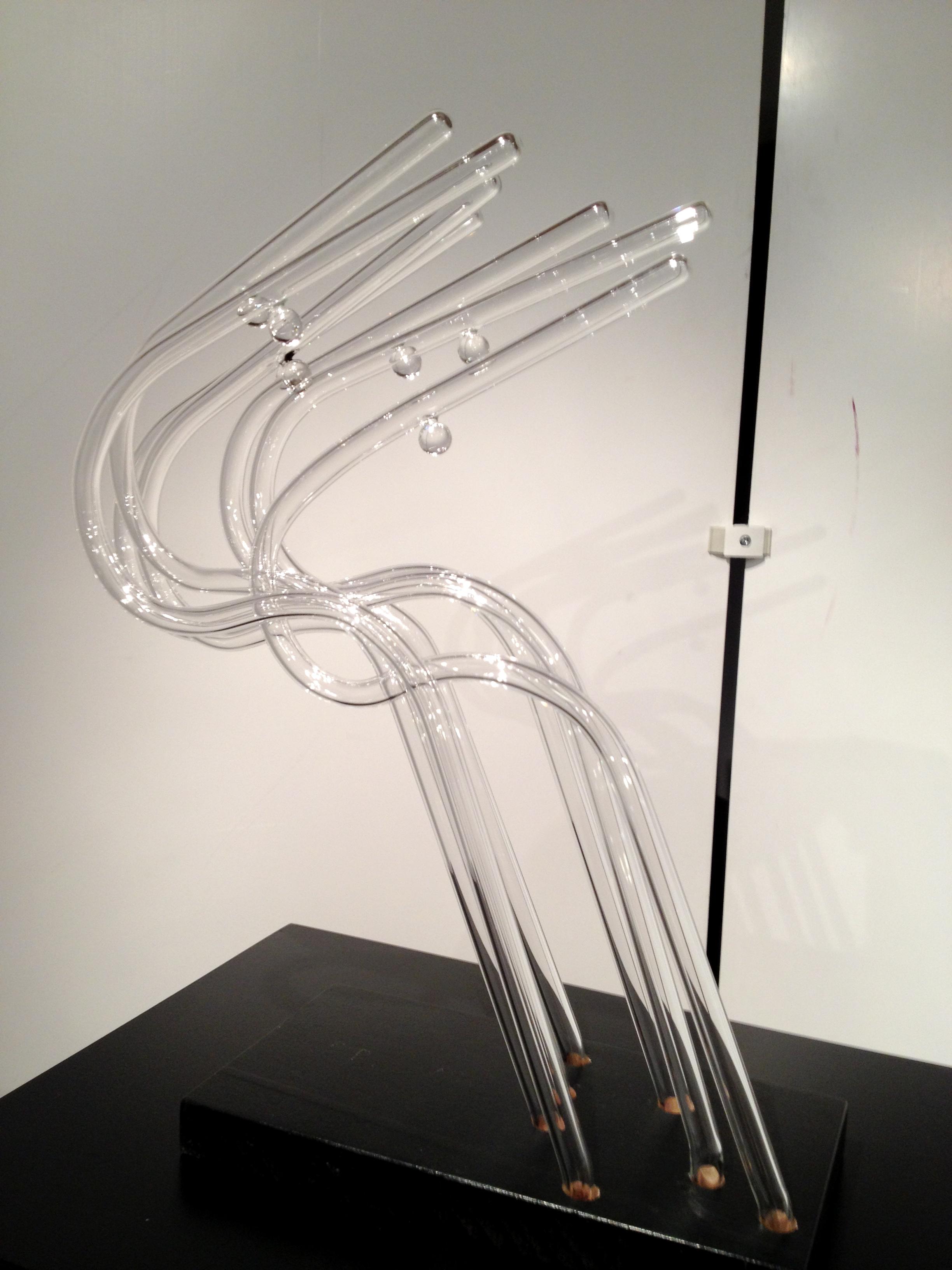 les sculptures en verre souffl de jo l rey entre. Black Bedroom Furniture Sets. Home Design Ideas