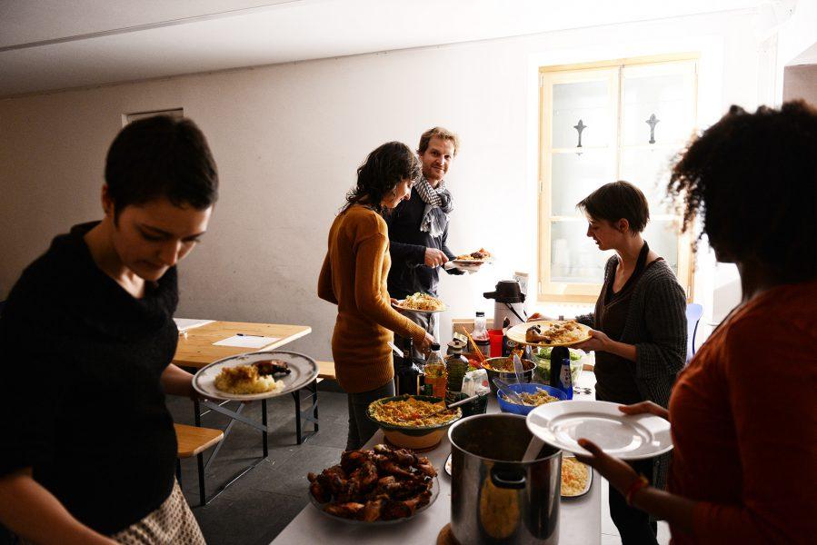 Des repas à vivre entre voisins: à consommer sans modération
