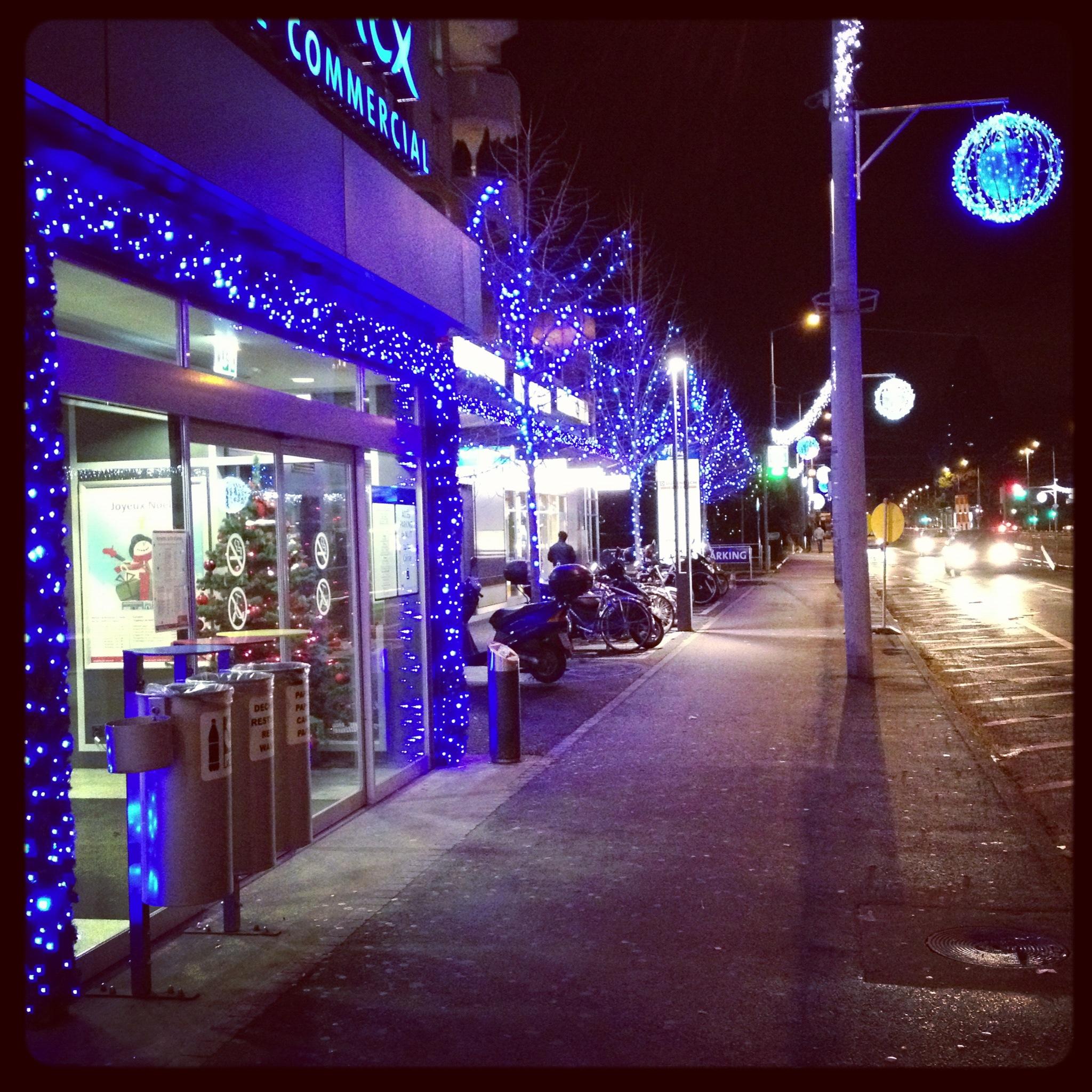 #2F10BB Les Trois Chêne à L'heure Des Décorations De Noël Signé  5435 decorations de noel geneve 2048x2048 px @ aertt.com