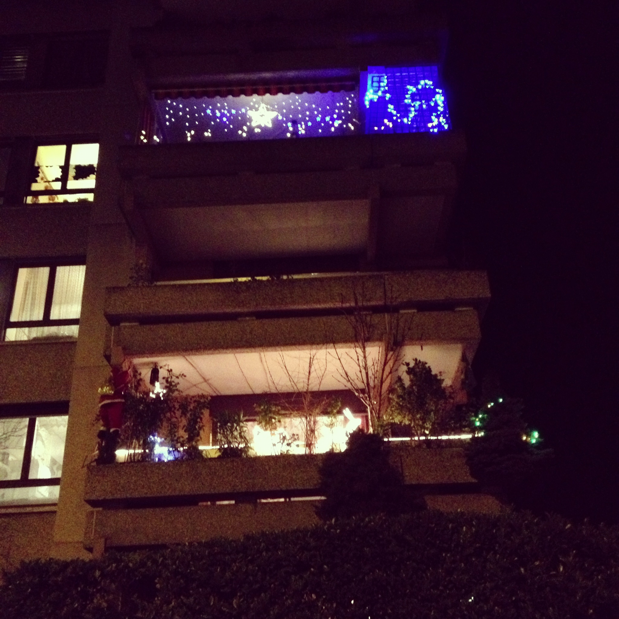 #2F07C4 Les Trois Chêne à L'heure Des Décorations De Noël Signé  5435 decorations de noel geneve 2048x2048 px @ aertt.com