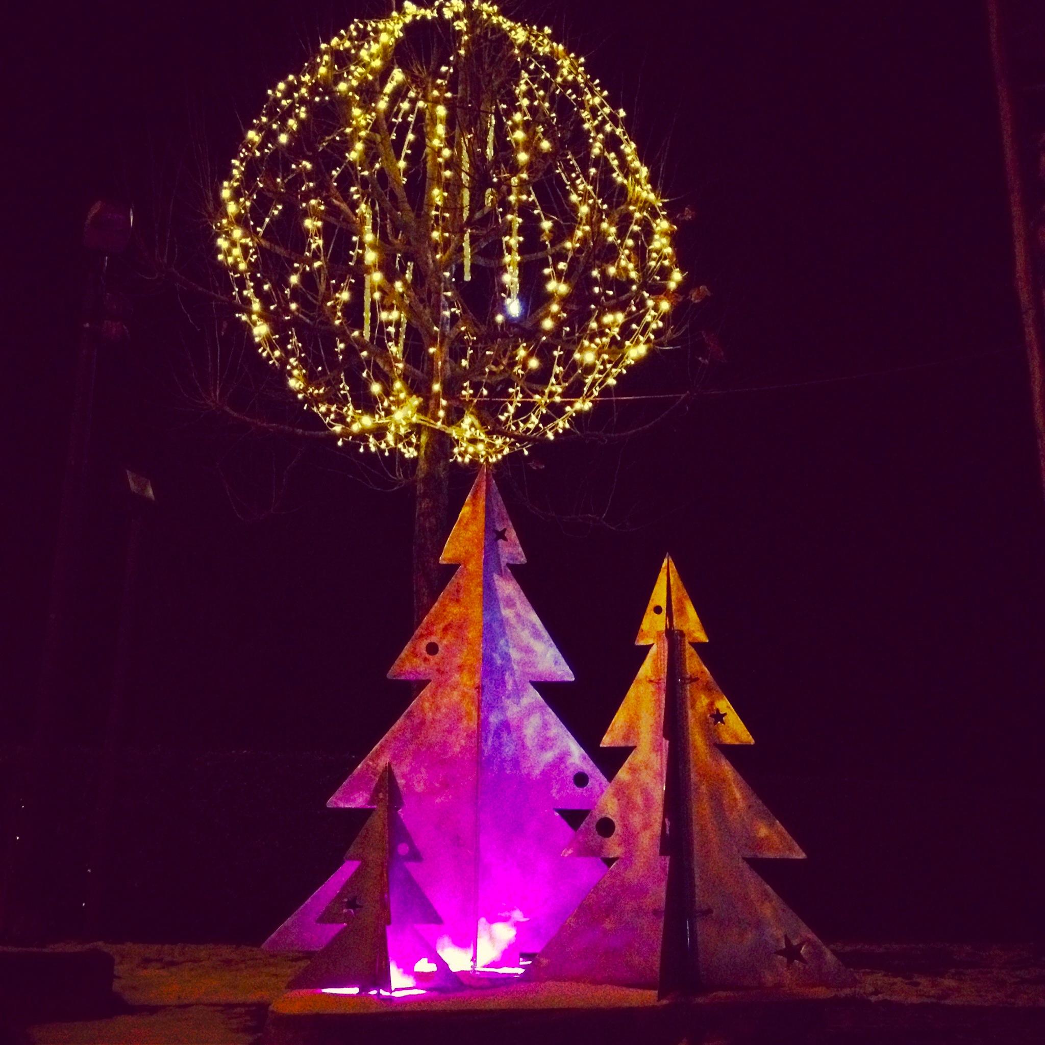 #C407C0 Les Trois Chêne à L'heure Des Décorations De Noël Signé  5435 decorations de noel geneve 2048x2048 px @ aertt.com