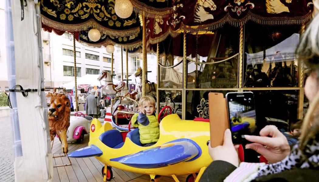 Le carrousel de la Madeleine déménage à la rue de la Fontaine