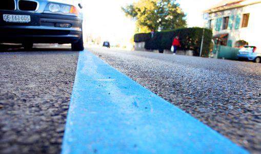 A Onex, les places de parking virent au bleu
