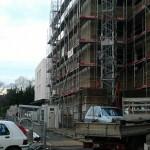 Un immeuble d'habitation prend forme