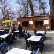 A Chêne-Bourg, la place Favre a bien failli se retrouver sans glacier