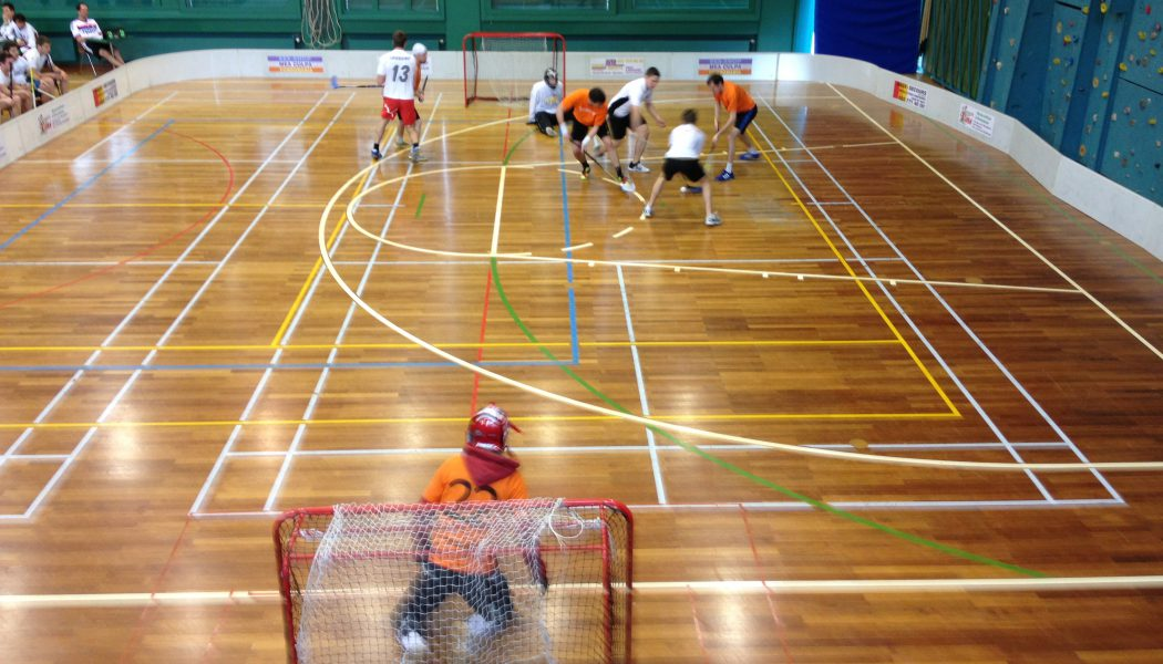 Unihockey: Les Barbares dominent le tournoi des Warthogs