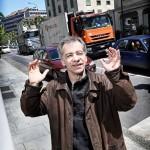 Derrière Michel Schweri, l'avenue Saint-Clotilde: 300 camions par jour.