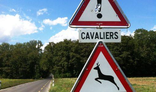 De mystérieux impacts de balles à la route de Sauverny