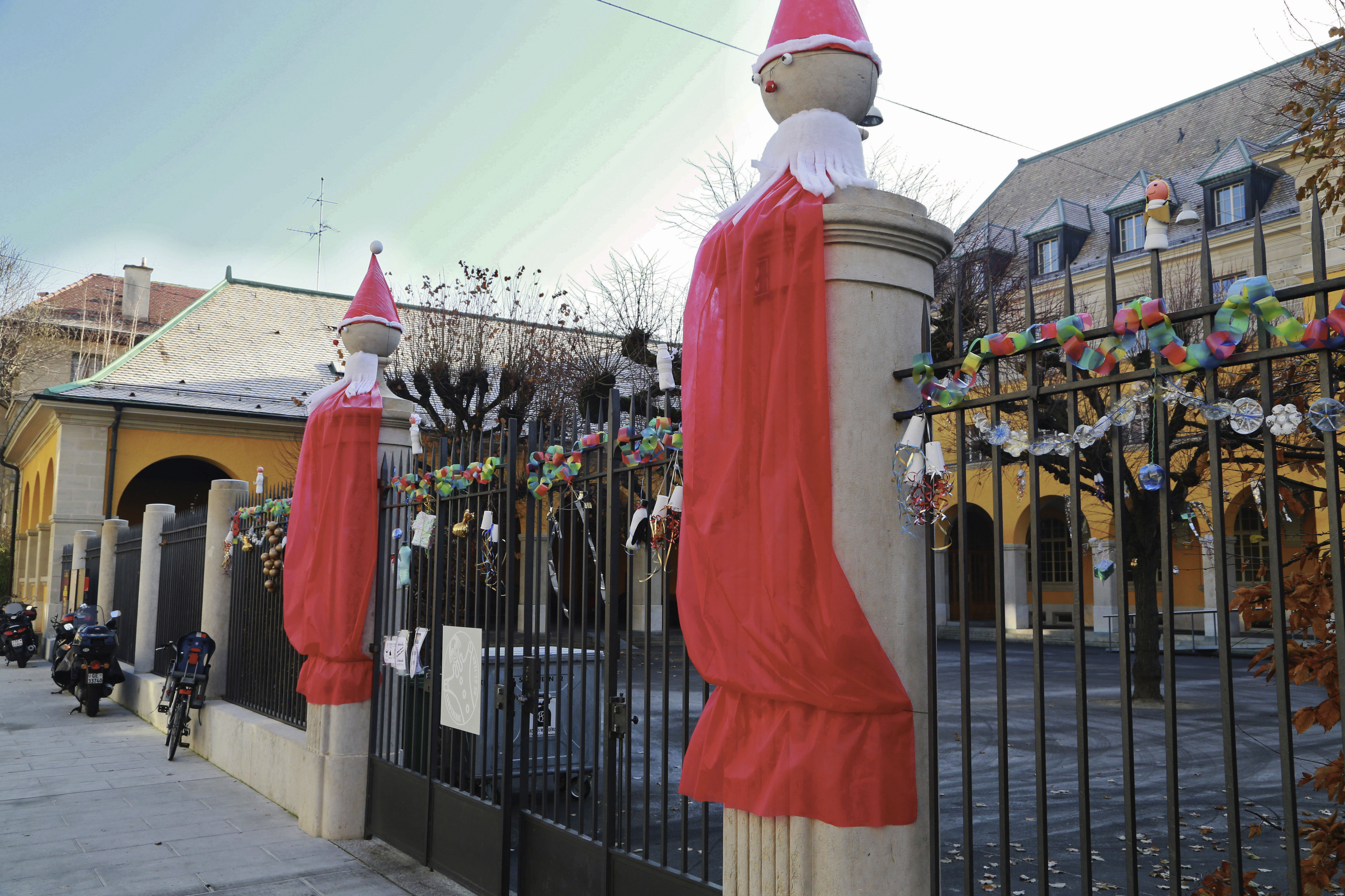 #8C3931 Envoyez Nous Vos Photos De Décorations De Noël Signé Genève 5435 decorations de noel geneve 5472x3648 px @ aertt.com