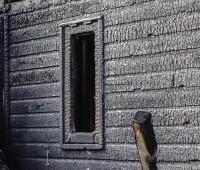 Un chalet détruit par les flammes au Lignon