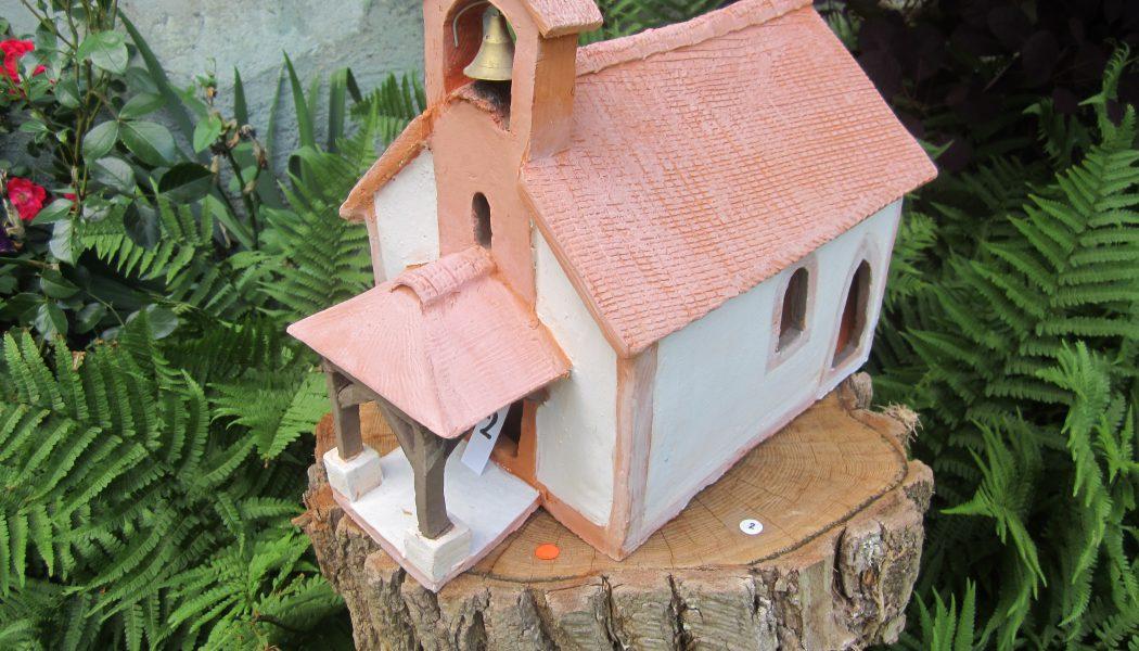 Pernette Gaulis remet les églises au milieu du village