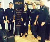 Les hommes pouponnés chez The Barbershop Geneva