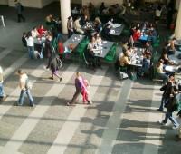 Les cafétérias de l'Uni Mail désertées par les étudiants