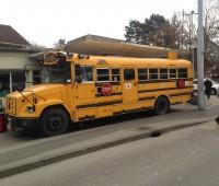 Un burger dans un bus scolaire new-yorkais