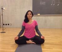 A Hermance, Paula pratique le yoga pour apaiser les maux