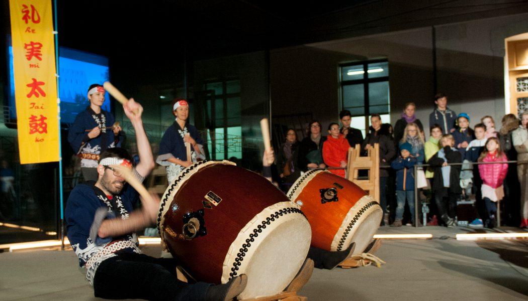 Avec les musiciens du Wadaiko ou tambour japonais