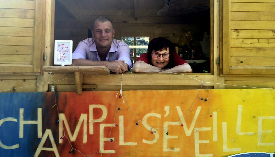 Deux bénévoles de l'association. © FK