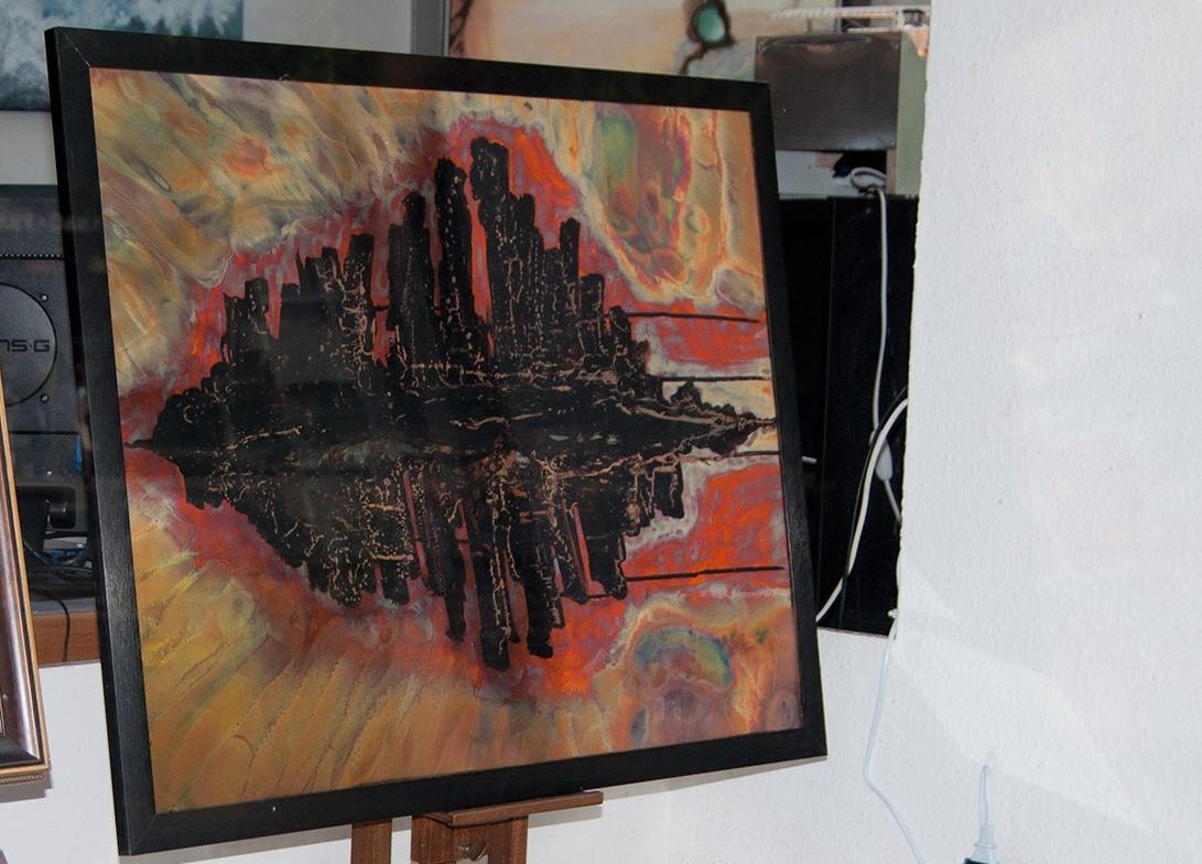 Rumeurs sur la ville en situation d'exposition  Pyrogrammie sur cuivre 60 x 80 cm Berolli