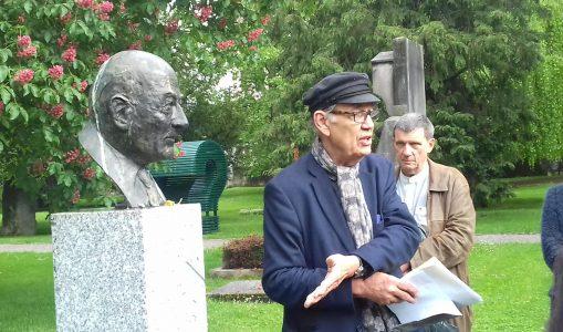 En suivant les poètes au cimetière