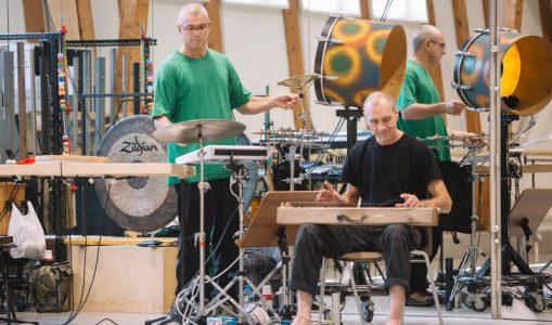 «Au coin de la table» avec jB et Thierry: deux percussionnistes genevois chez Béjart!