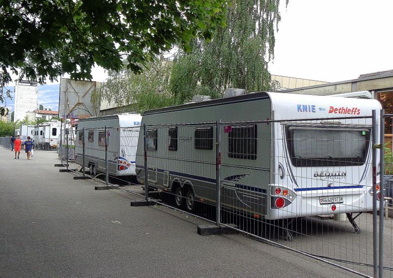 D'autres caravanes stationnées au quai des Vernets