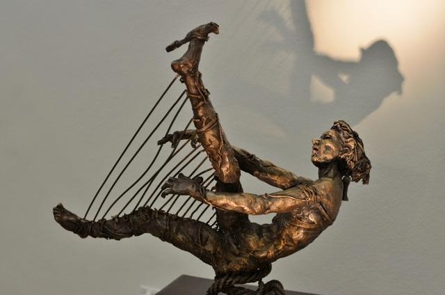 A corps sensible  Bronze  H 31 x L 36 cm