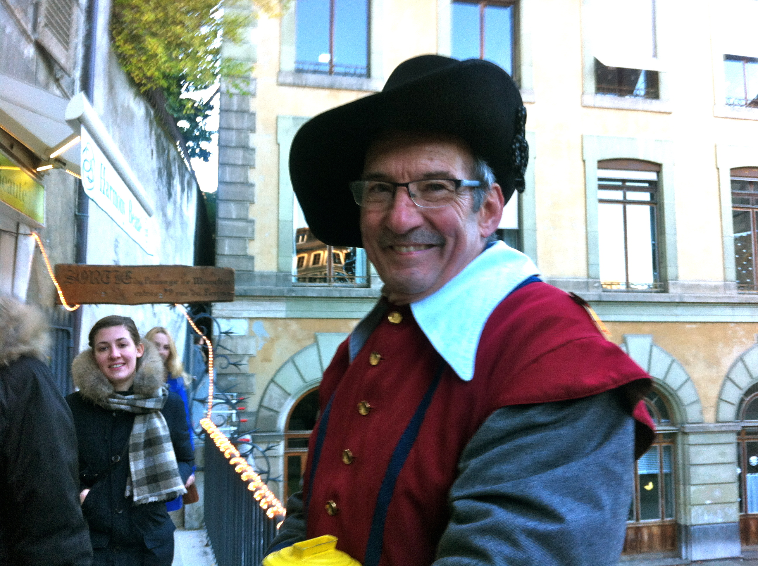 Olivier Rochat, un Carougeois dans le cortège de l'Escalade. © Maryelle Budry