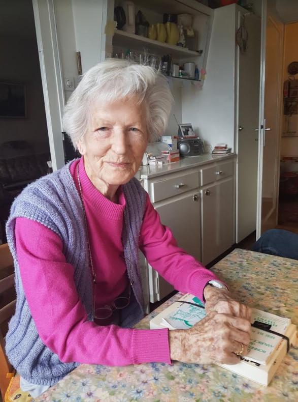 La bientôt centenaire Betty dans sa cuisine. © FK
