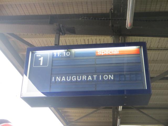 La voie 1 de la gare Cornavin réservée au départ de la nouvelle rame flambant neuve du « Léman Express » © NdM