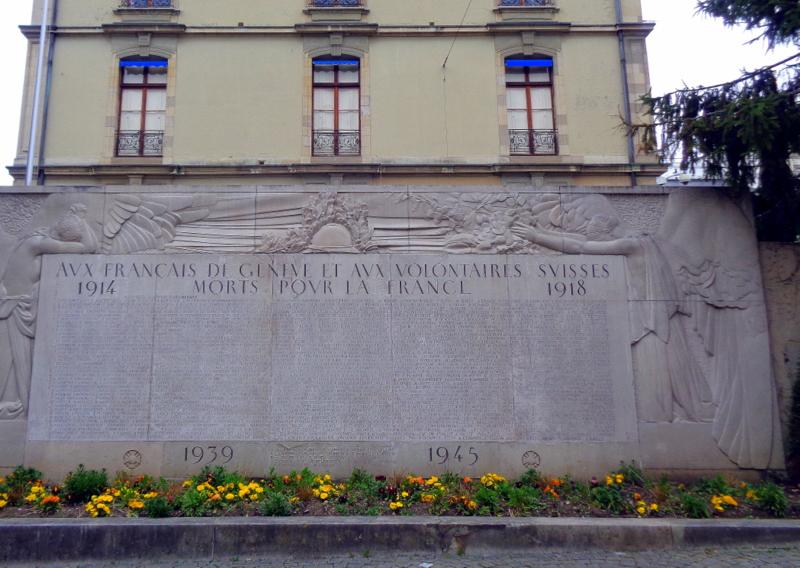 8. Mur commémoratif, derrière le Consulat de France, rue Jean-Sénebier