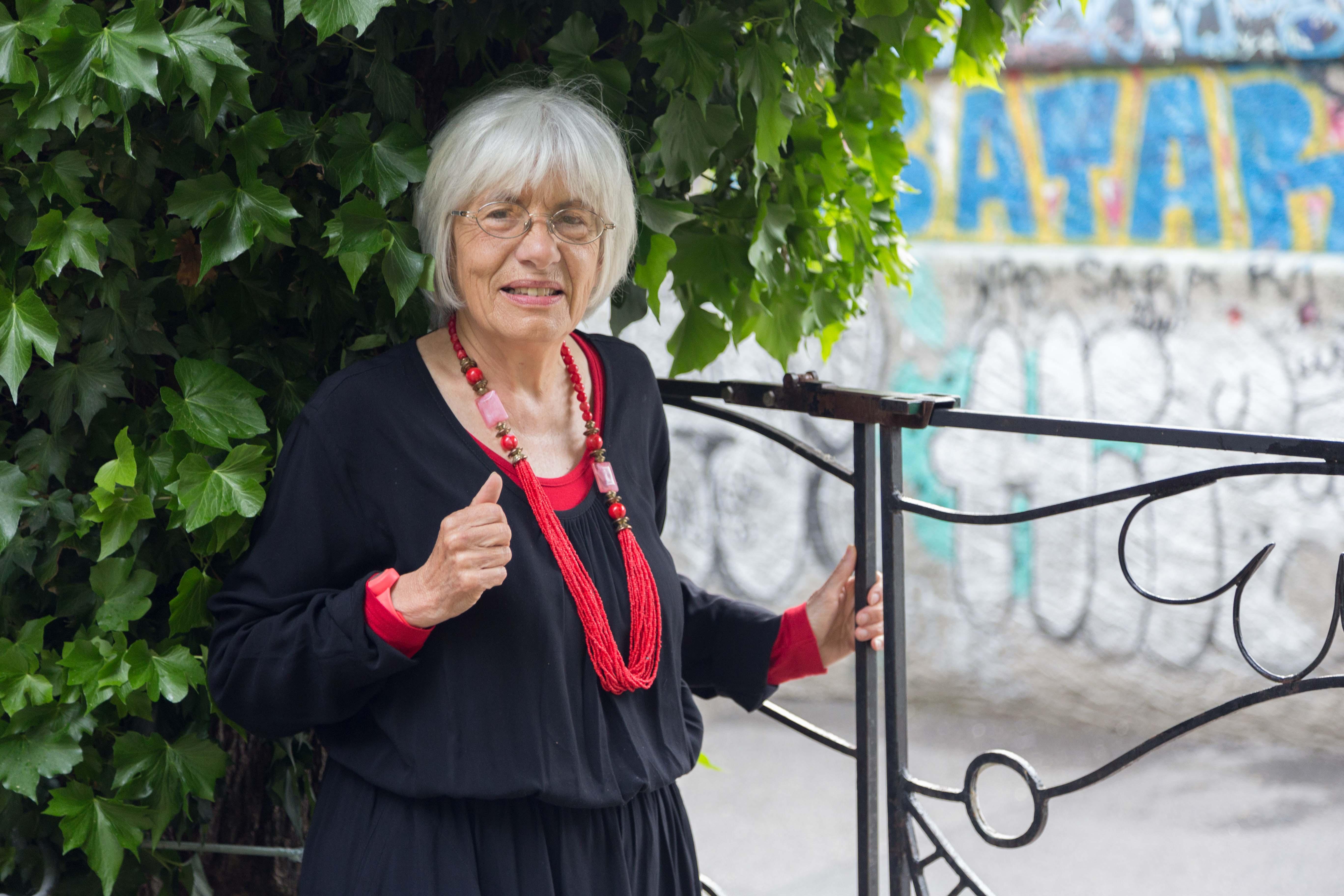 Maryelle Budry à l'entrée de l'un ancien squat genevois