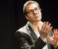 Nicolas Raccah dit la poésie érotique à domicile
