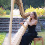 Laudine Dard, harpiste genevoise