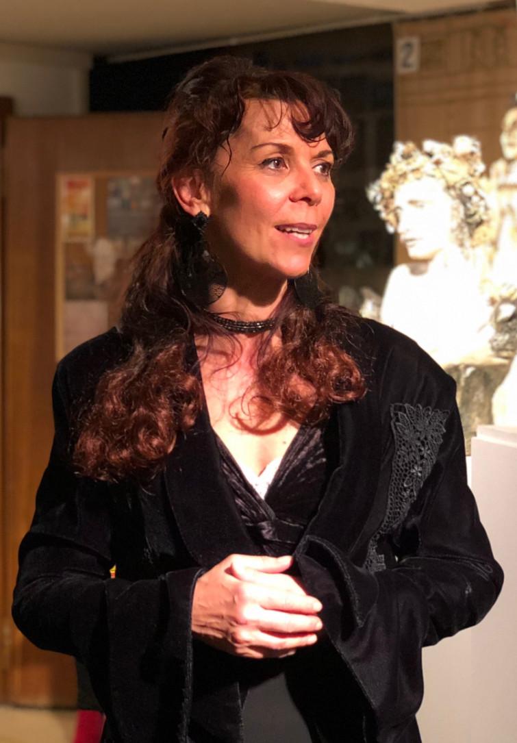 Anne-Sophie Casagrande dans son exposition à la Chapelle des Arts. © Casagrande