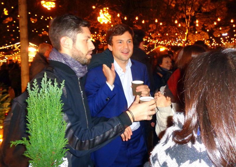 Après le discours de Guillaume Barazzone, un bon vin chaud avec le public