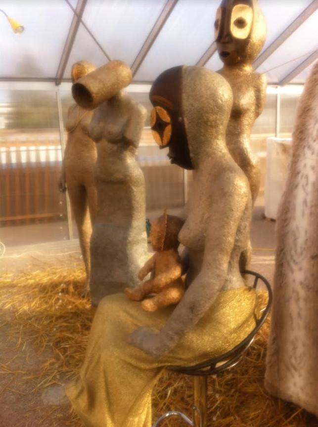 « Bodies and Souls », crèche païenne de l'artiste Mael Denegri