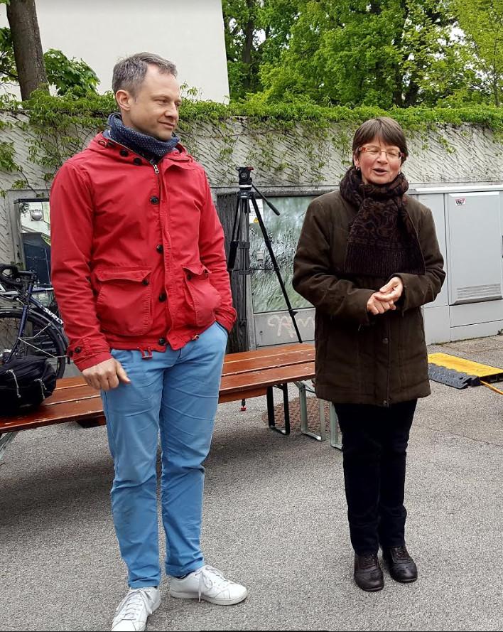 Inauguration d'Onexroule: À gauche, le Directeur de Genèveroule Daniel Sud Lang, à droite la Conseillère administratibe Ruth Bäntziger lors de son allocution.©Anderson Makedi