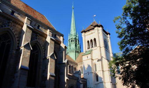 La Cathédrale Saint-Pierre de bas en haut