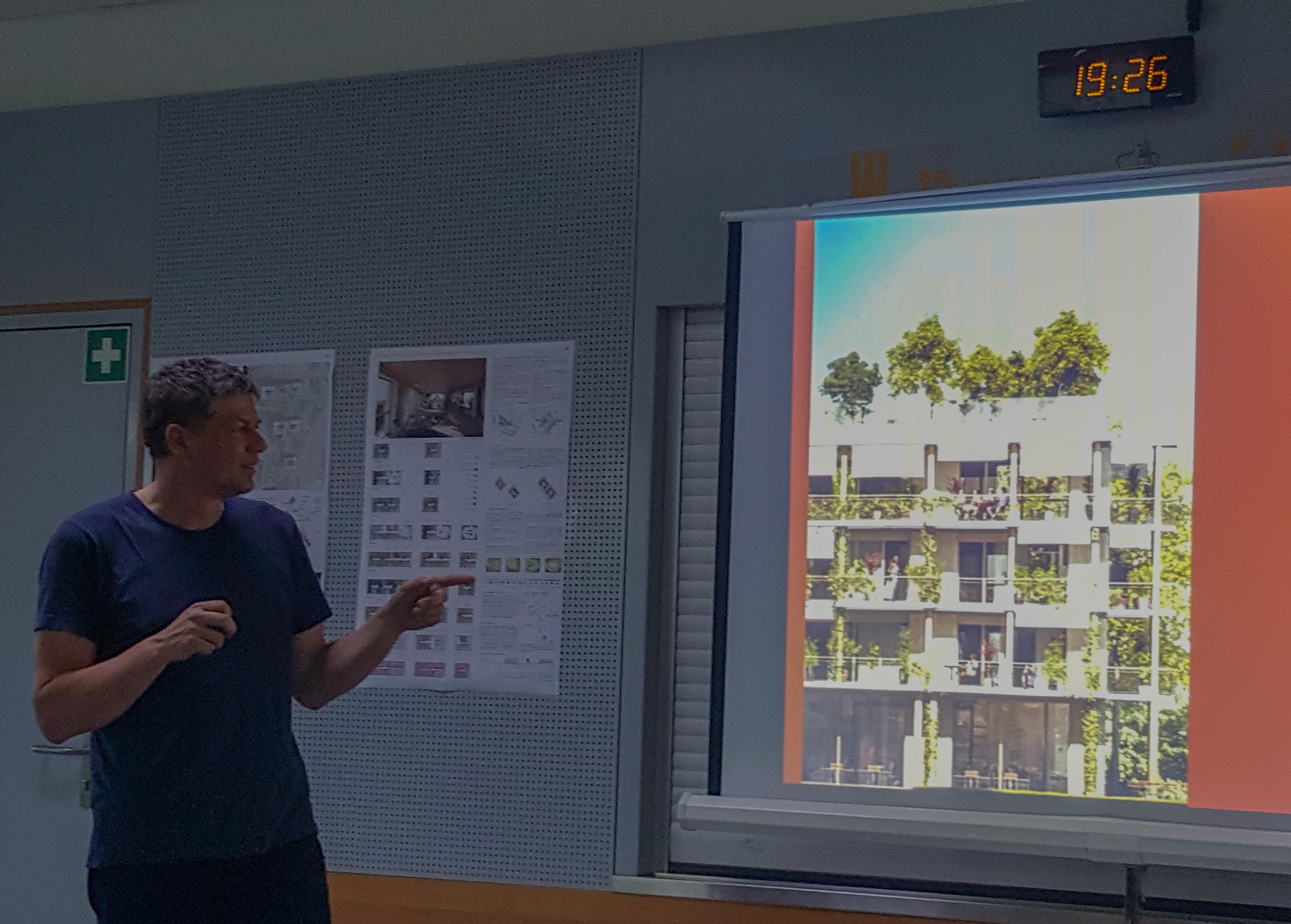 Séance de travail de la coopérative avec l'architecte Stéphane Fuchs,  ©JY Genoud, La Bistoquette