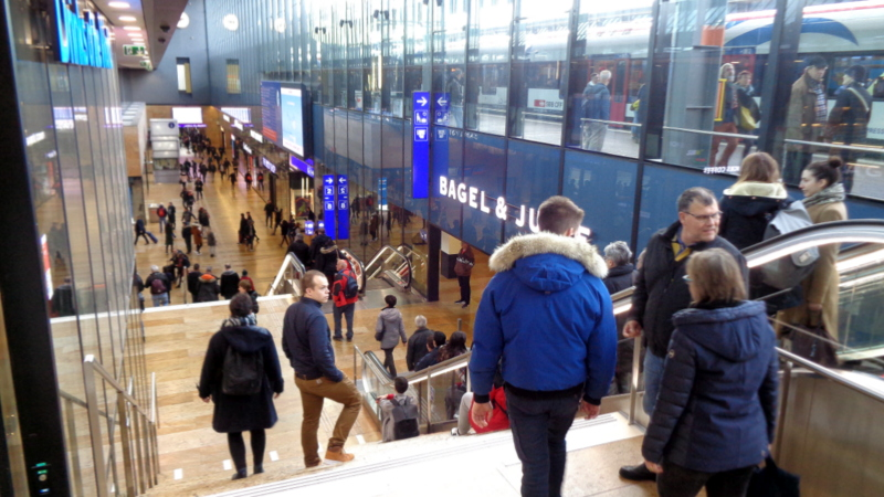 20. Arrivée à la gare de Genève-Cornavin