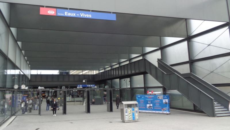 5. E.-V. La gare des Eaux-Vives, très spacieuse, accueillera de nombreux commerces