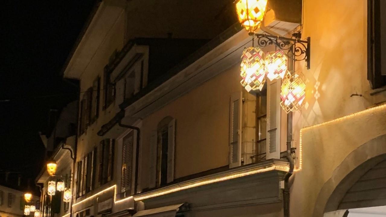 Lanternes façon art déco à la rue Ancienne