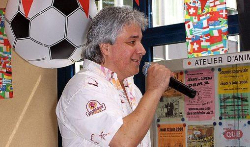 Kévin, le chanteur, rend hommage à Johnny Hallyday