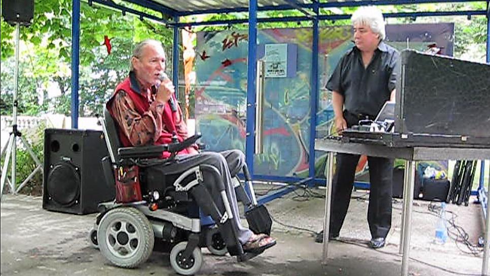 Un patient qui interprète à son tour une chanson d'Elvis Presley : un grand moment d'émotion...