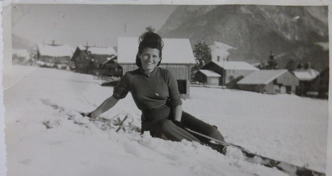 Noella Rouget reprend vie en 1945 à Château d'Oex (photo extraite de sa biographie (2020 Tallandier)