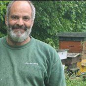 À Lancy, John Buffoni soigne ses abeilles avec amour
